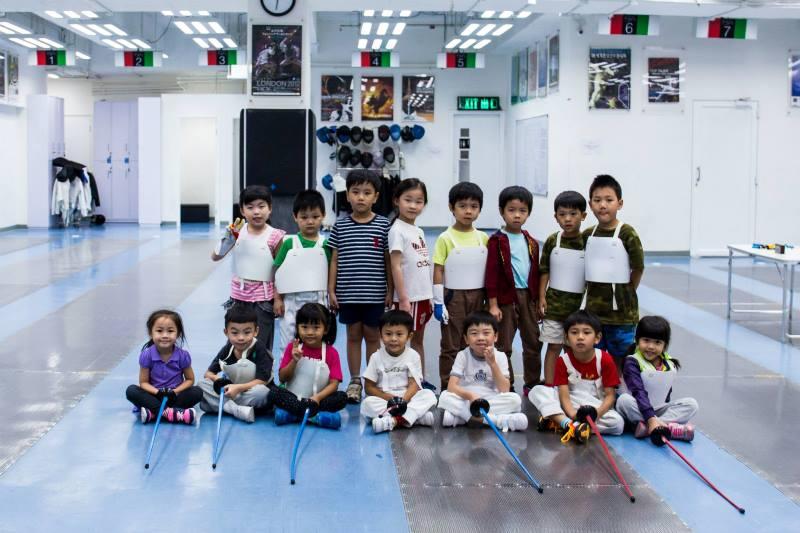 Children fencing3