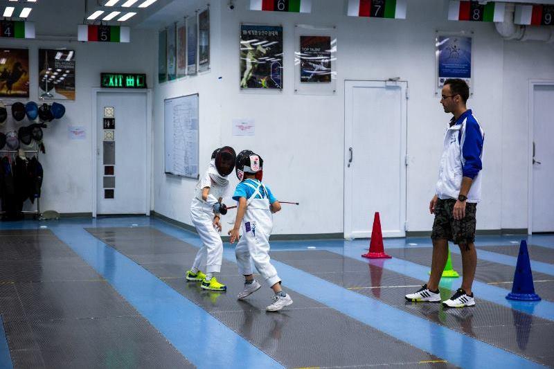 Children fencing4
